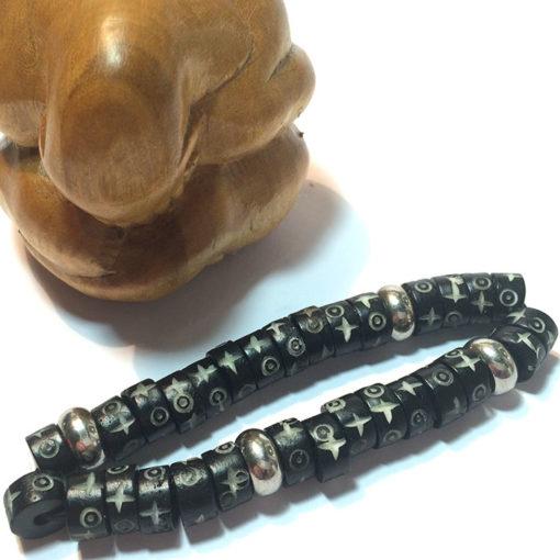 bracelet, collier avec des perles en inox