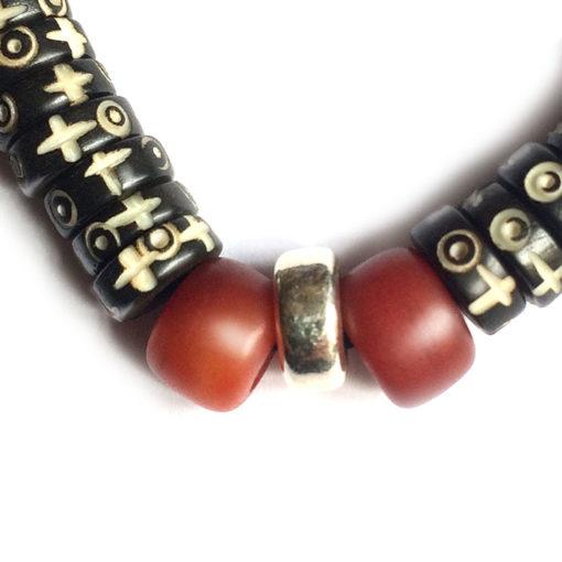 Bracelet en os gravé (détai argent 925).l)