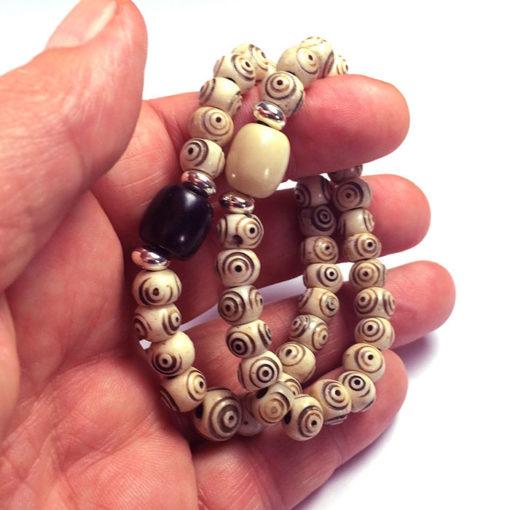 Bracelet en os de yak et corne