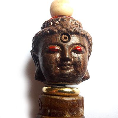 Charm, 3 corps de bouddha, detail
